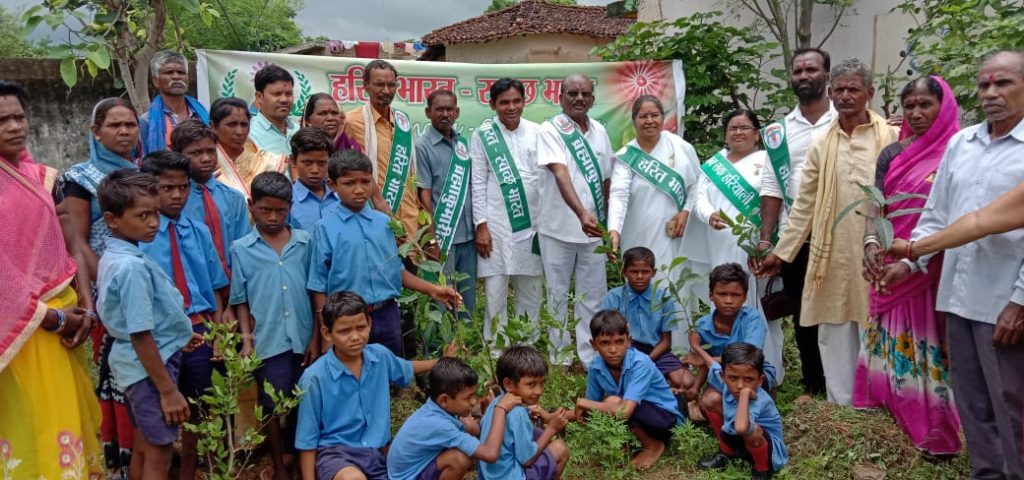 हरित भारत स्वच्छ भारत के संकल्प के साथ टच द लाईट पाठ्यक्रम का शुभारंभ
