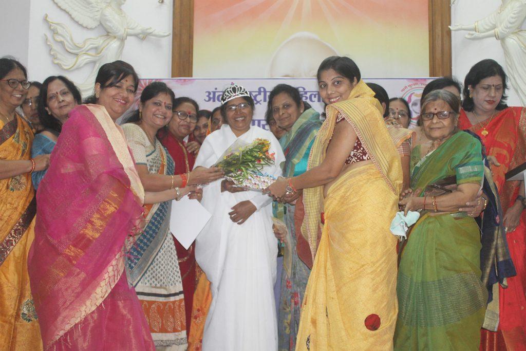 अंर्तराष्ट्रीय महिला दिवस पर महिला संगोष्ठी का आयोजन